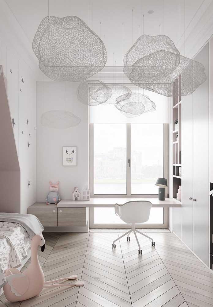 Delicadeza e tranquilidade nesse quarto infantil em tons de Off White, cinza e rosa