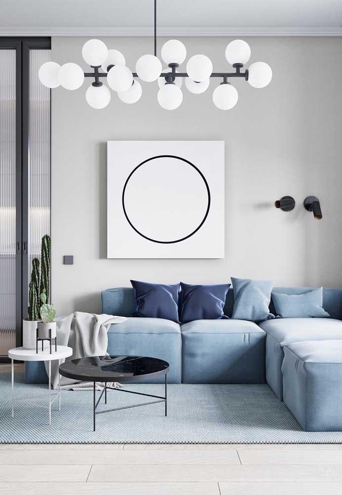 Parede Off White com sofá azul