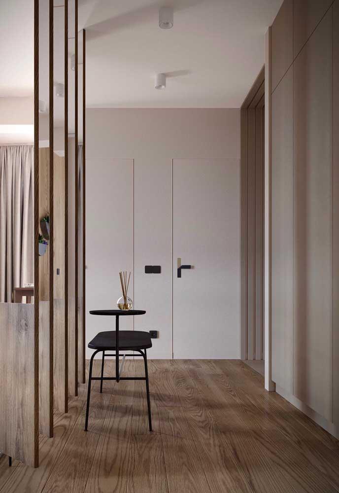 A perfeita combinação entre madeira e tons de Off White