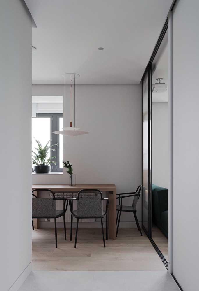 Para uma decor moderna e minimalista aposte em Off White e preto