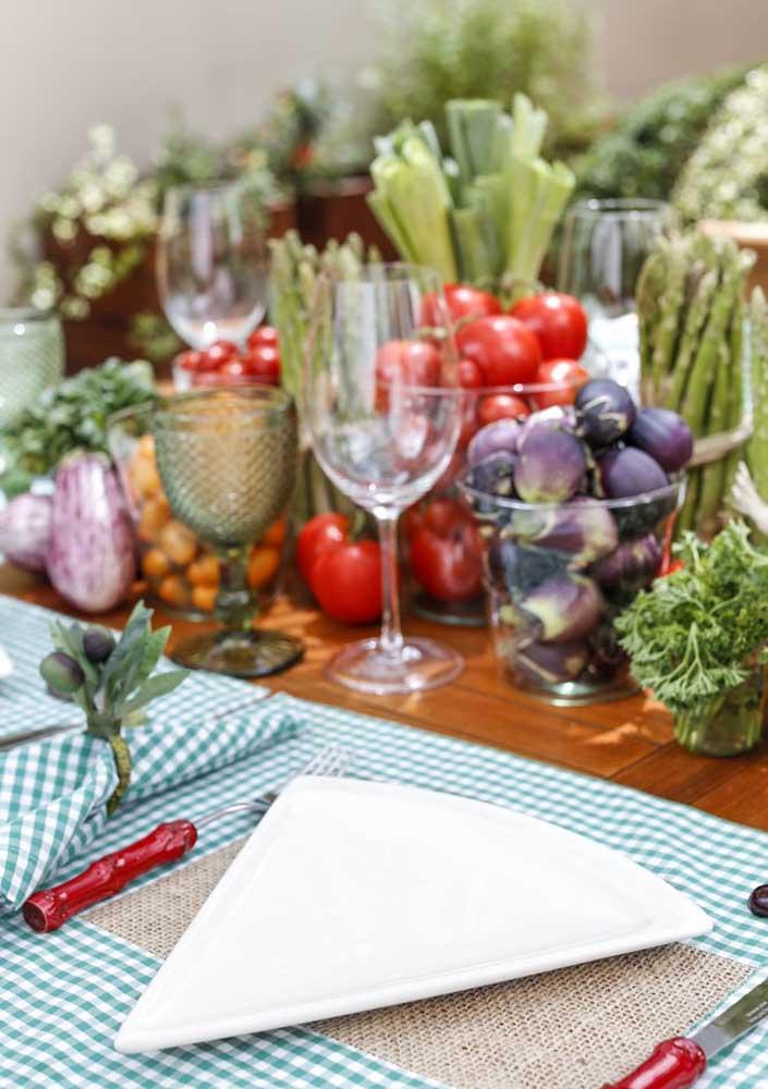 Uma mesa muito colorida e saborosa!