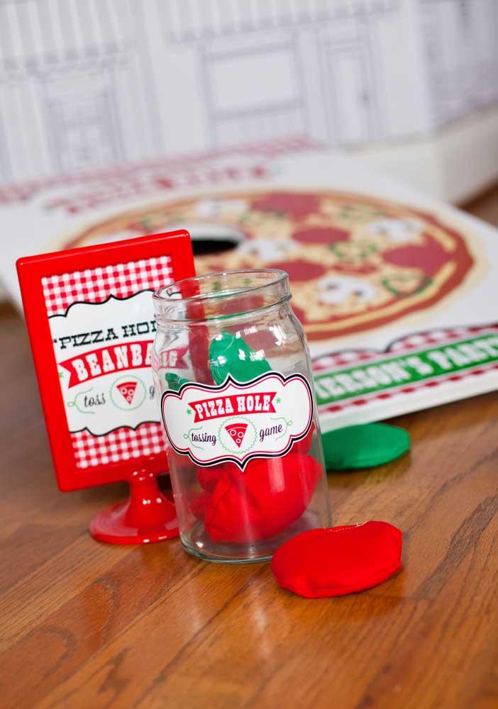 Pote de brincadeiras para a noite da pizza