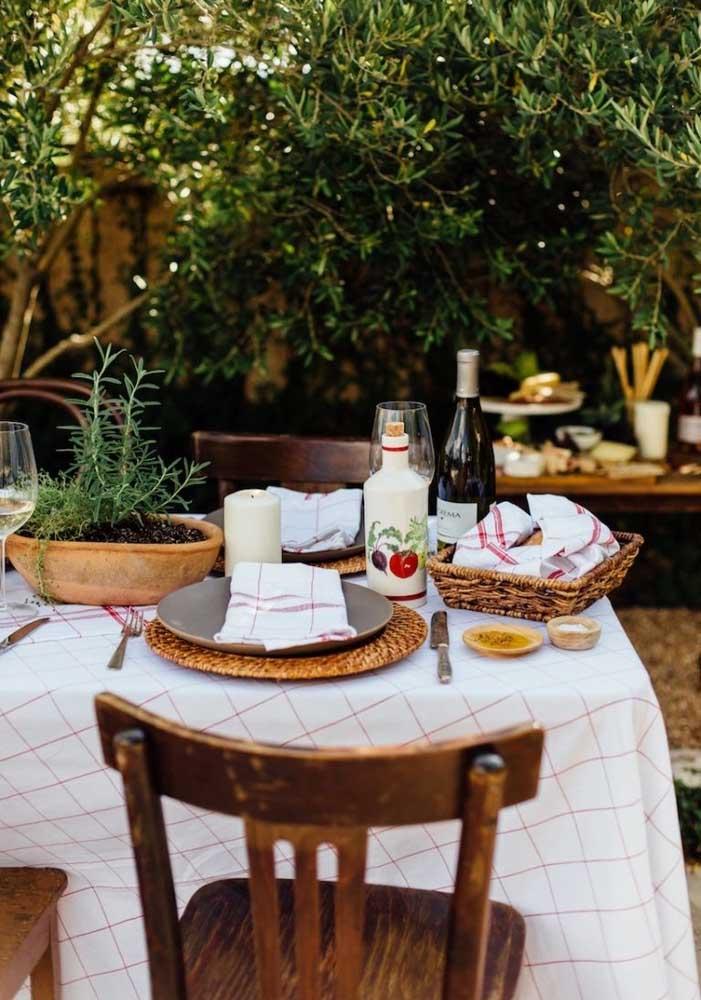 Com uma mesa assim, acolhedora e super receptiva, sua noite da pizza vai ficar na memória