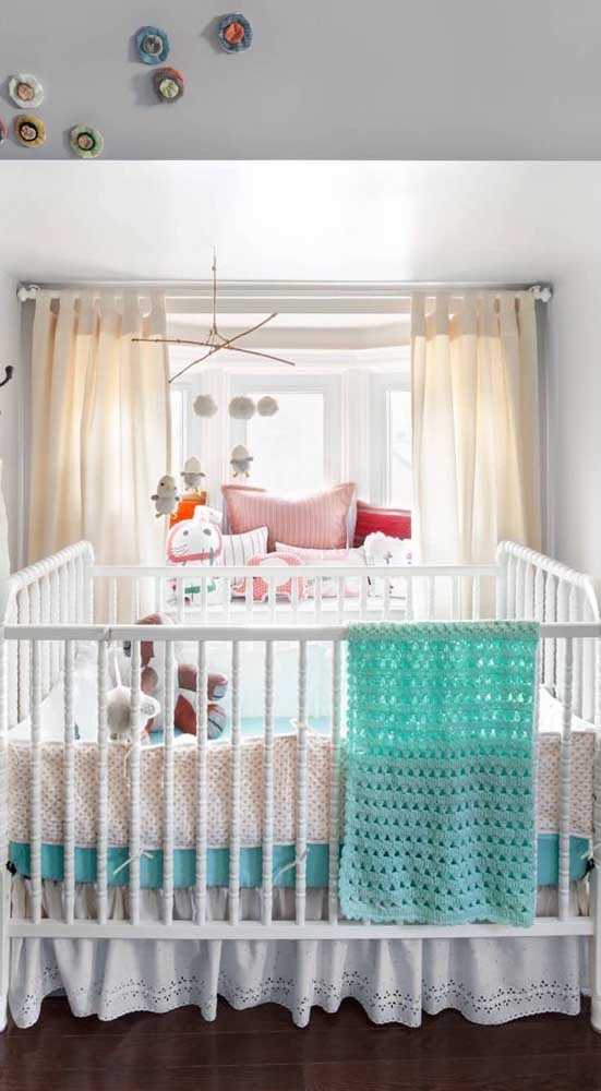 Manta de crochê azul para combinar com o quartinho do bebê