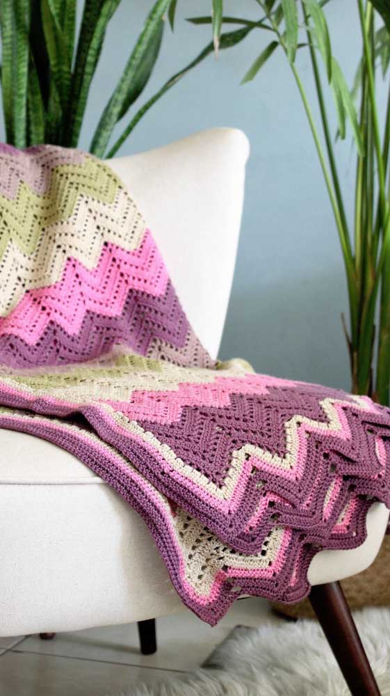 O trabalho delicado do crochê valoriza qualquer decoração