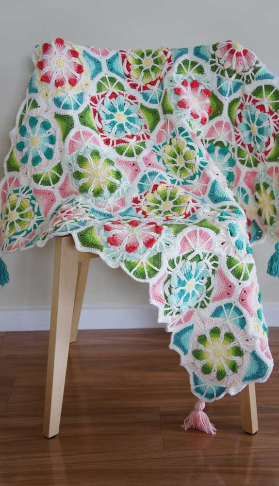 Explore cores e combinações a cada nova manta de crochê produzida