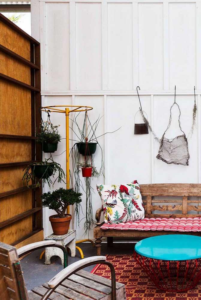 Reaproveite, recicle e reutilize o que não serve mais e crie um suporte para plantas criativo e original