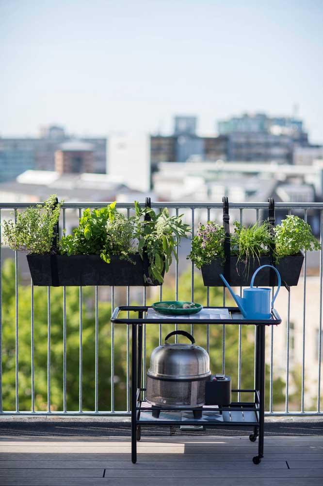 Suporte para jardineira: a solução para quem deseja ter um jardim ou horta no apartamento