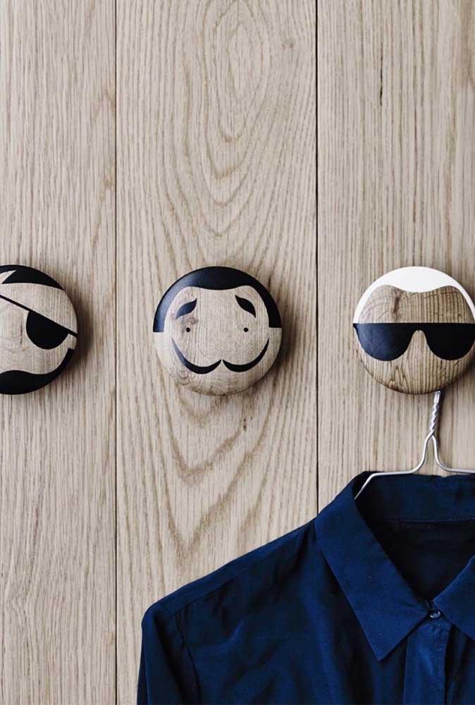 Ganchos de parede cheios de estilo