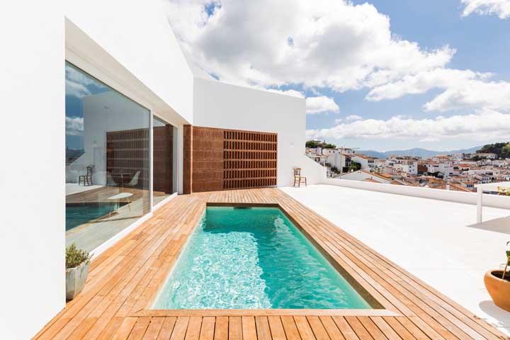Agora, se o terraço for grande, aí dá para caprichar na piscina!