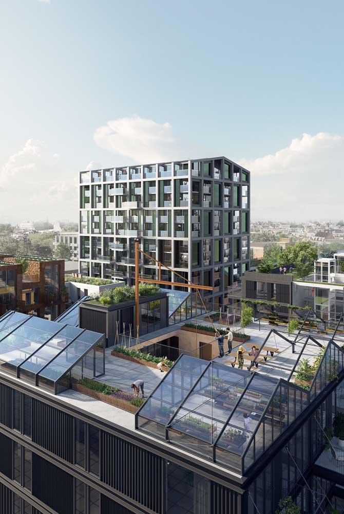 Terraço de prédio com direito a horta coletiva e muito espaço para lazer