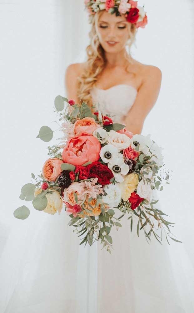 Que tal combinar o buquê com a coroa de flores?