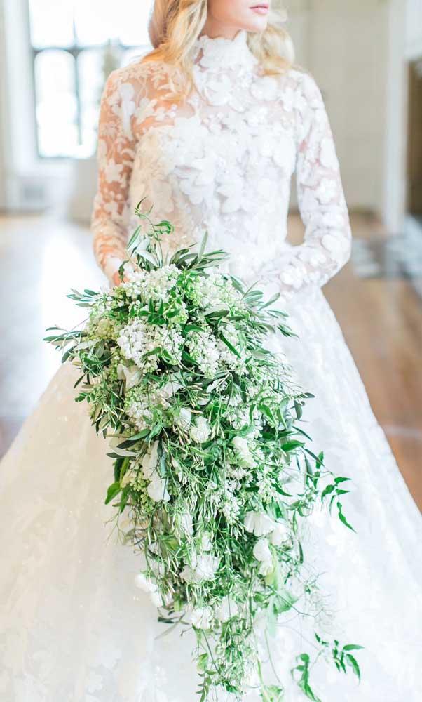 Buquê de noivas em formato cascata