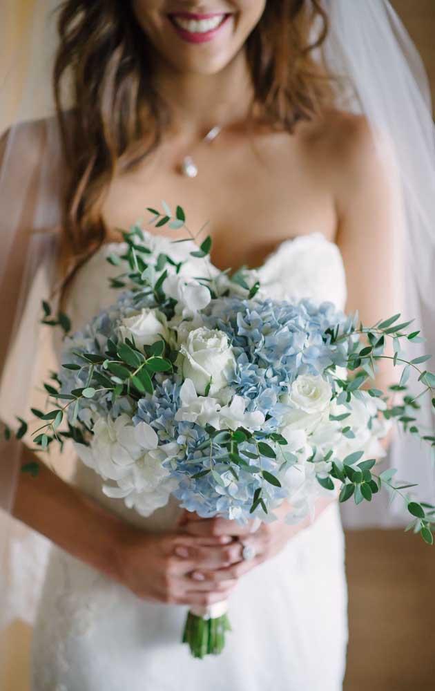Quer um buquê de flores azul? Então invista nas delicadas hortênsias