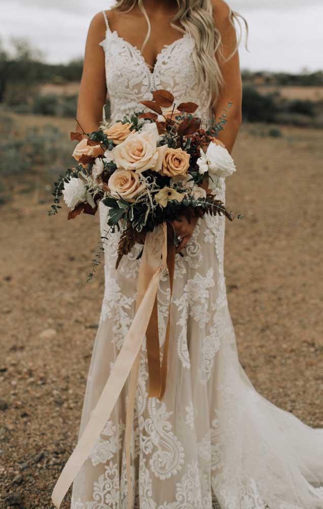 Buquê de flores rústicas para um casamento ao ar livre