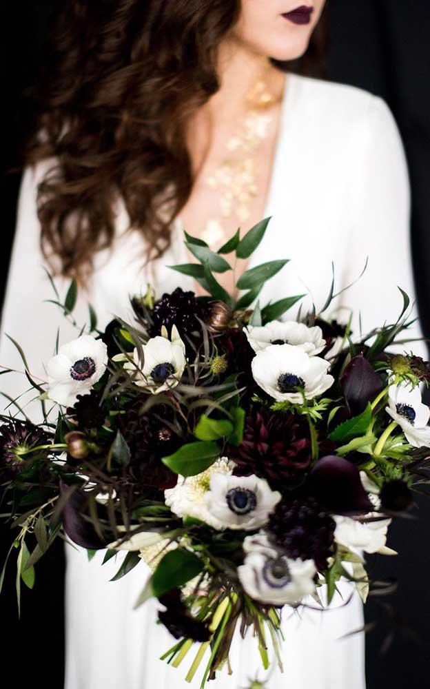 Buquê de flores com visual dark