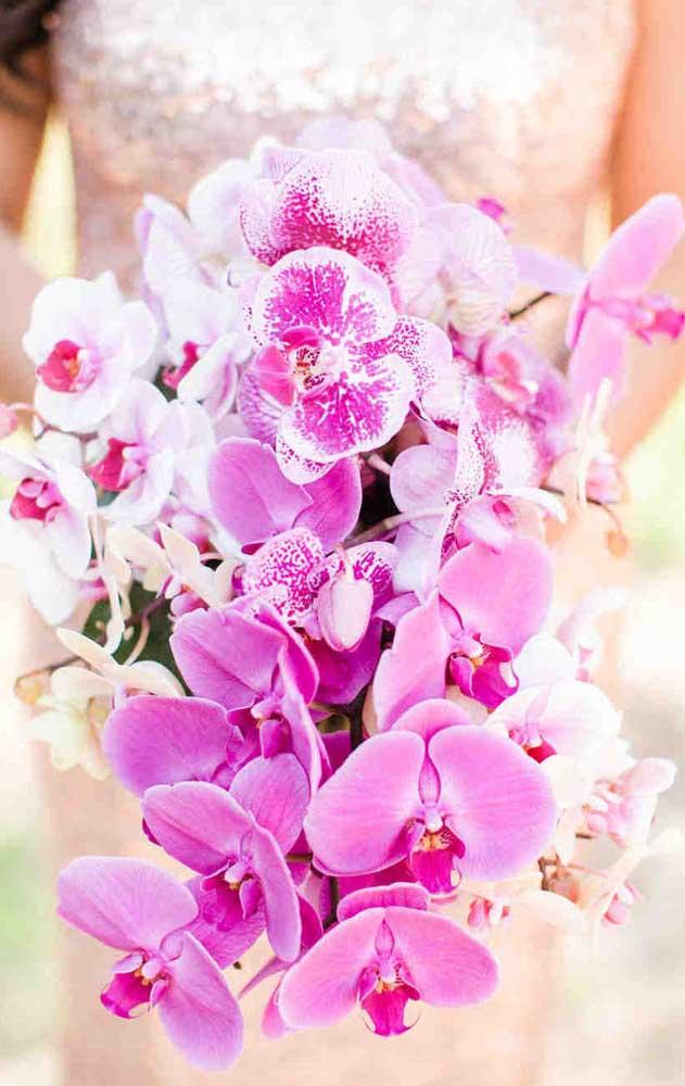 Um buquê de noivas de orquídeas para deixar todo mundo boquiaberto!