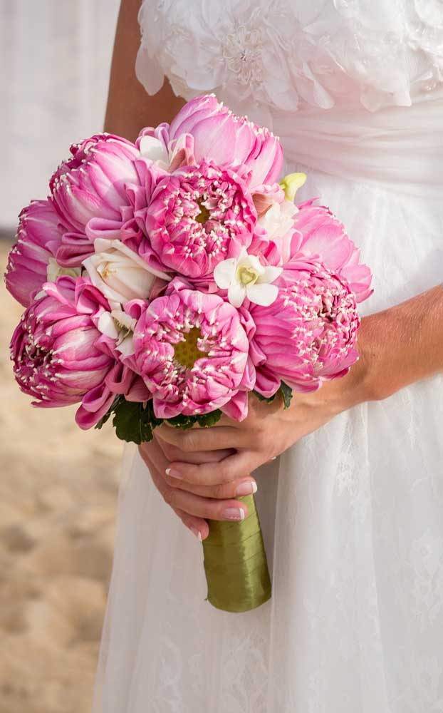 A base de sustentação do buquê da noiva é muito importante. Atenção para esse detalhe!