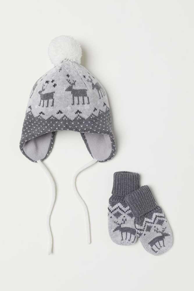 Que tal agora um conjuntinho de touca de tricô com luvas?