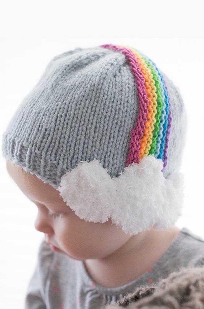O que acha de um arco íris na touca de tricô?