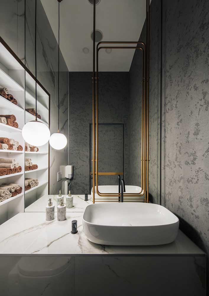 Aquele lavabo simples e pequeno pode ganhar uma nova cara com a aplicação de textura na parede