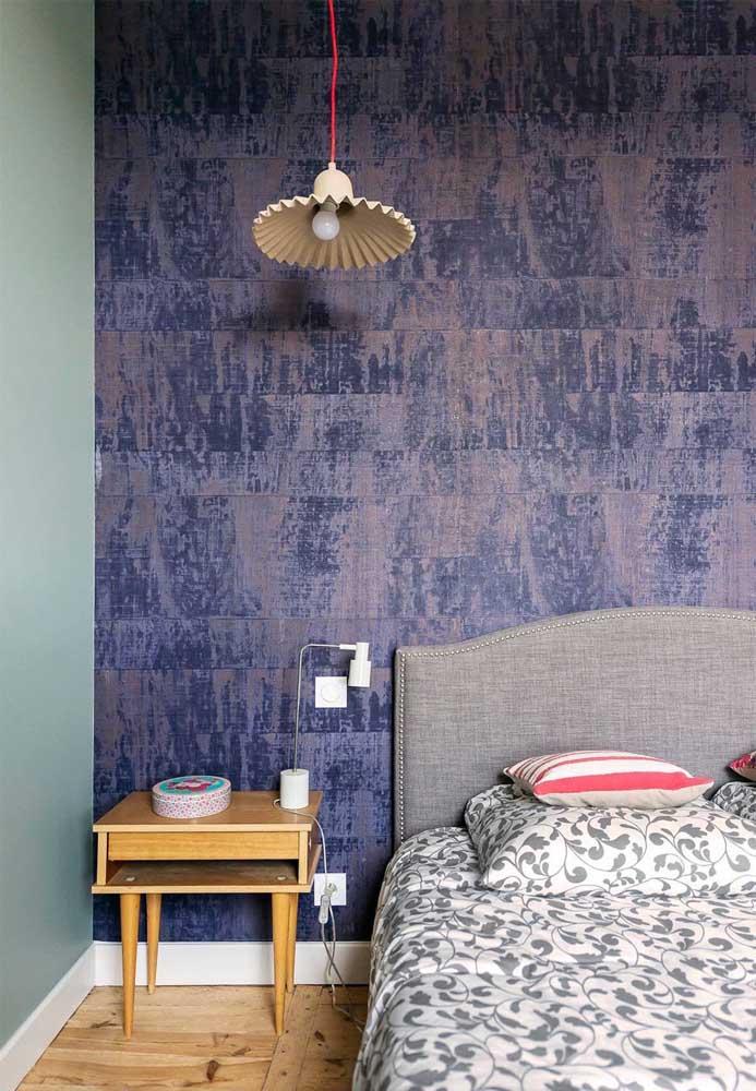 Repare nos tons contrastantes que foram usados nas paredes desse quarto