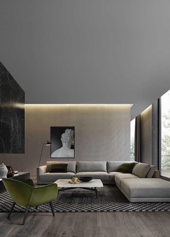 Sanca de gesso iluminada para valorizar a parede com textura