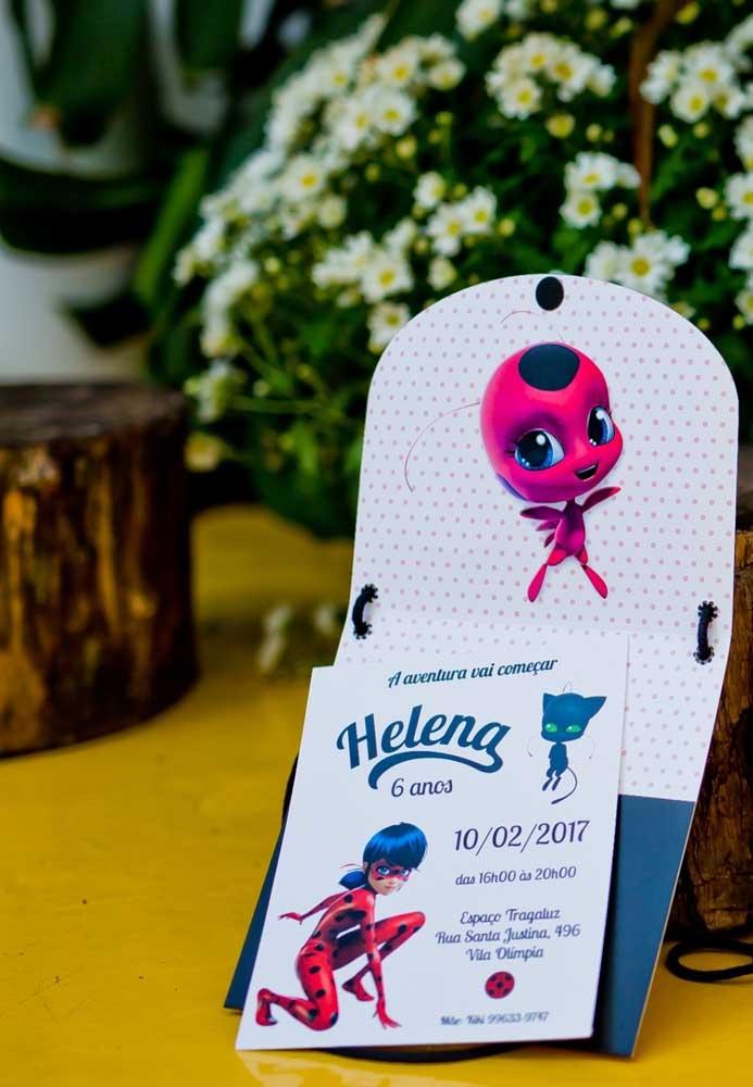 Inspiração de convite de aniversário com o tema Ladybug. Os personagens estampados já deixam o tema da festa em evidência