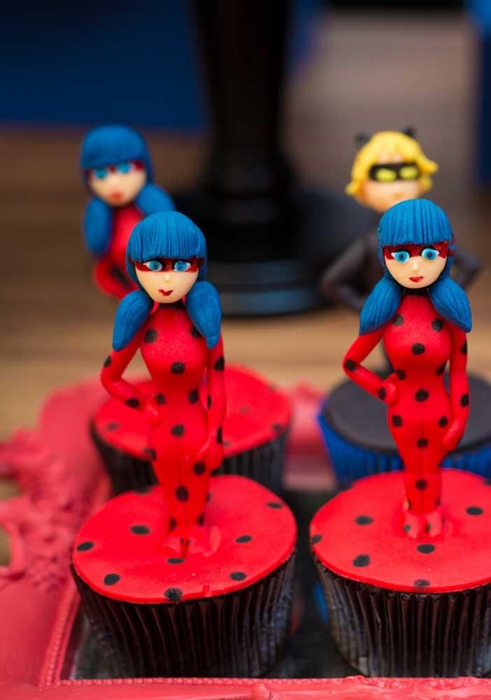 Os cupcakes não podiam faltar na festa Ladybug