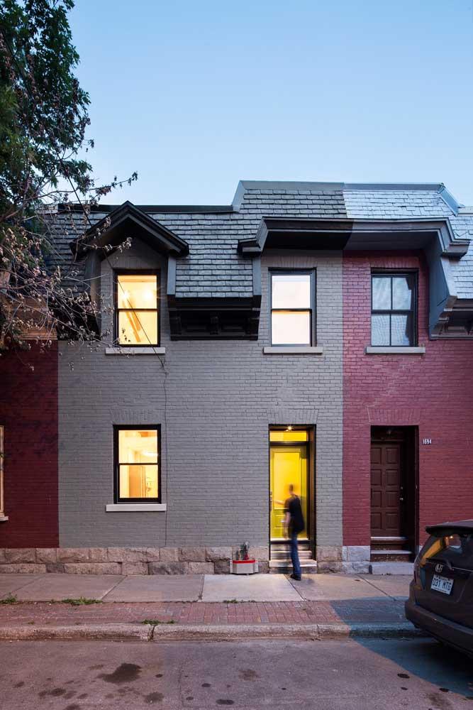 Duas casas, dois telhados e um só tipo de telha: as ecológicas!