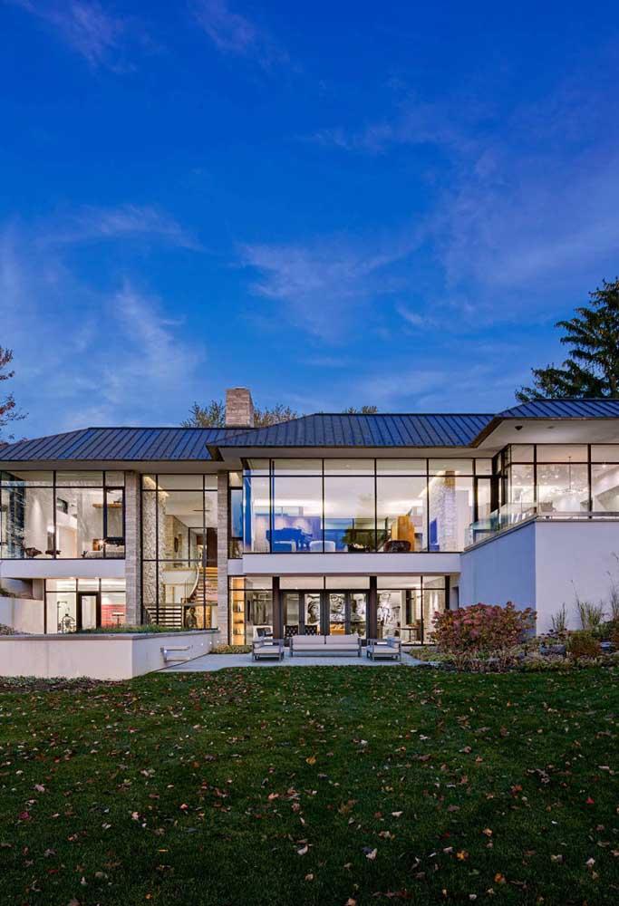 Casa de luxo com telhado ecológico