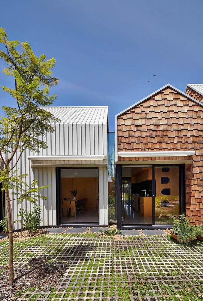 Mini casa com telhado ecológico