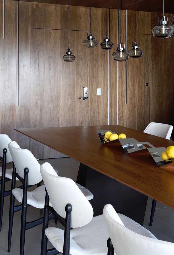 O design e o material moderno desse centro de mesa traz o toque aconchegante das frutas