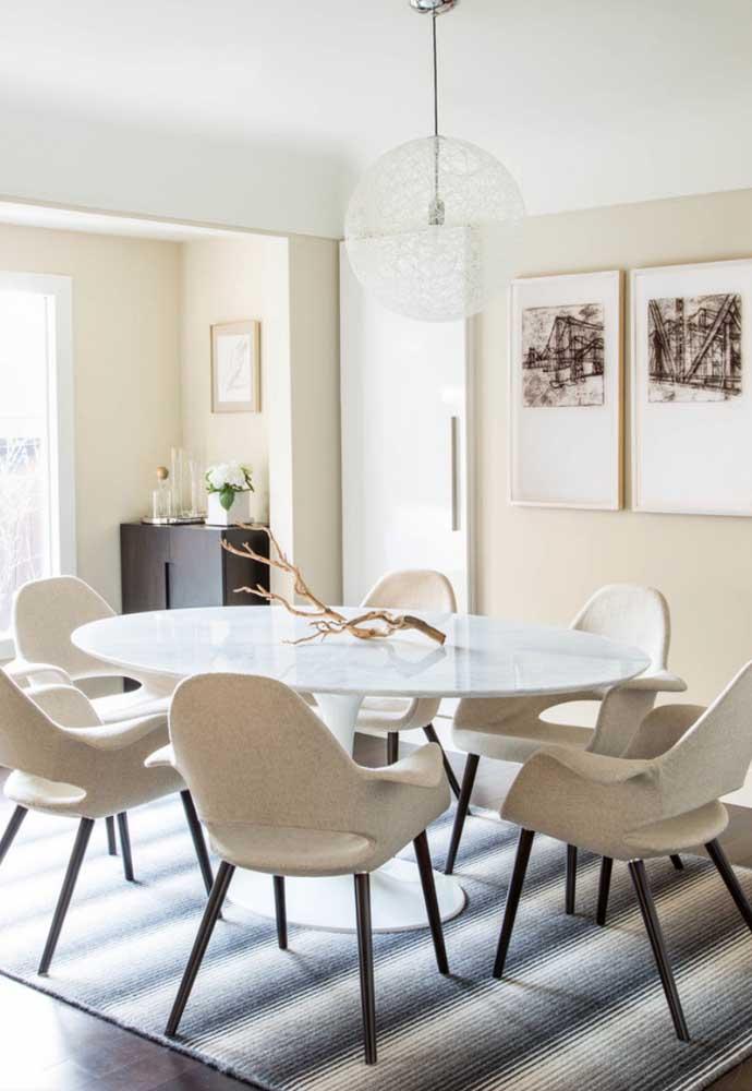 Quer um enfeite de mesa criativo, original e de custo zero? Então anote essa dica: um galho de árvore