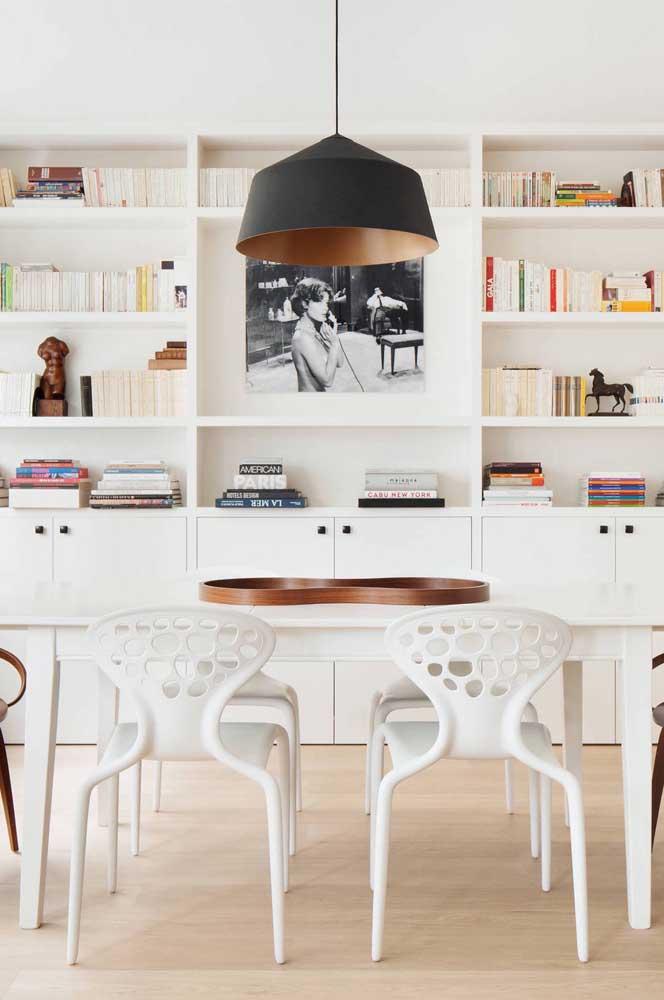 Centro de mesa sinuoso e cheio de design