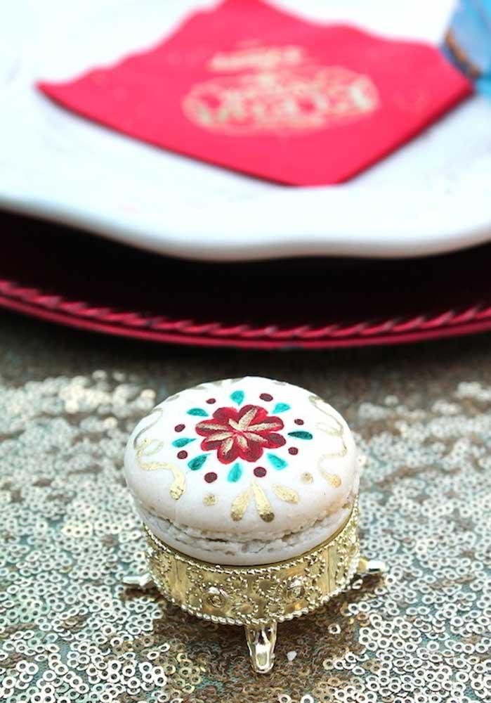 O macaron pode se transformar em um mimo na decoração da festa Elena de Avalon.