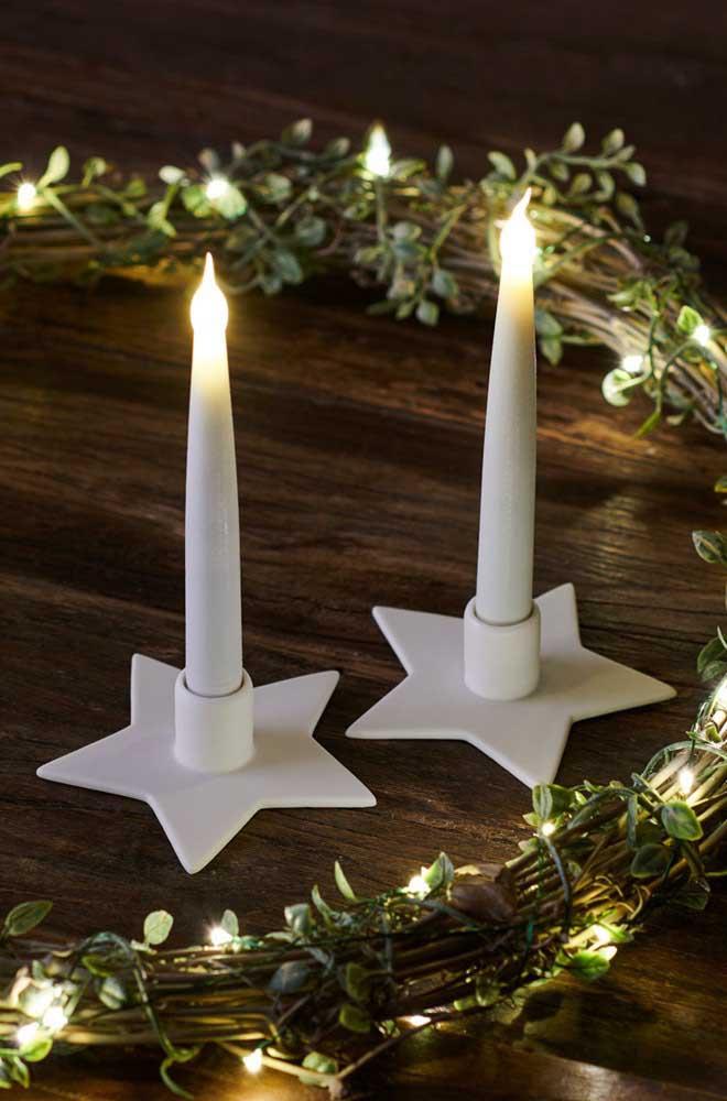 Castiçais em formato de estrela: um mimo para a noite de natal