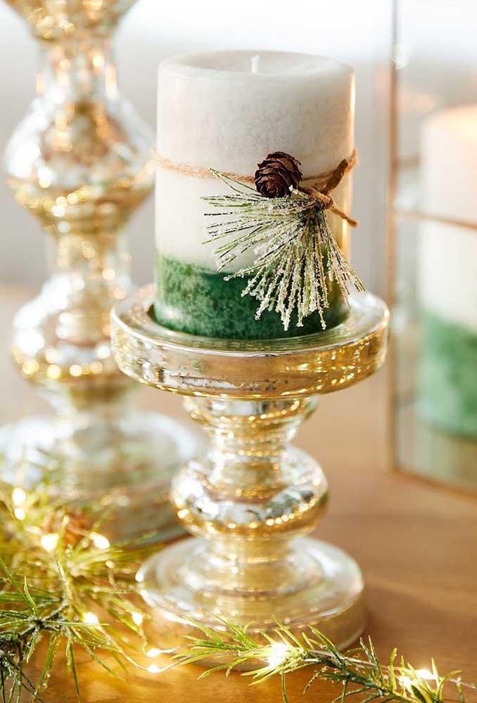 Transforme qualquer vela aí da sua casa em uma vela decorada de natal
