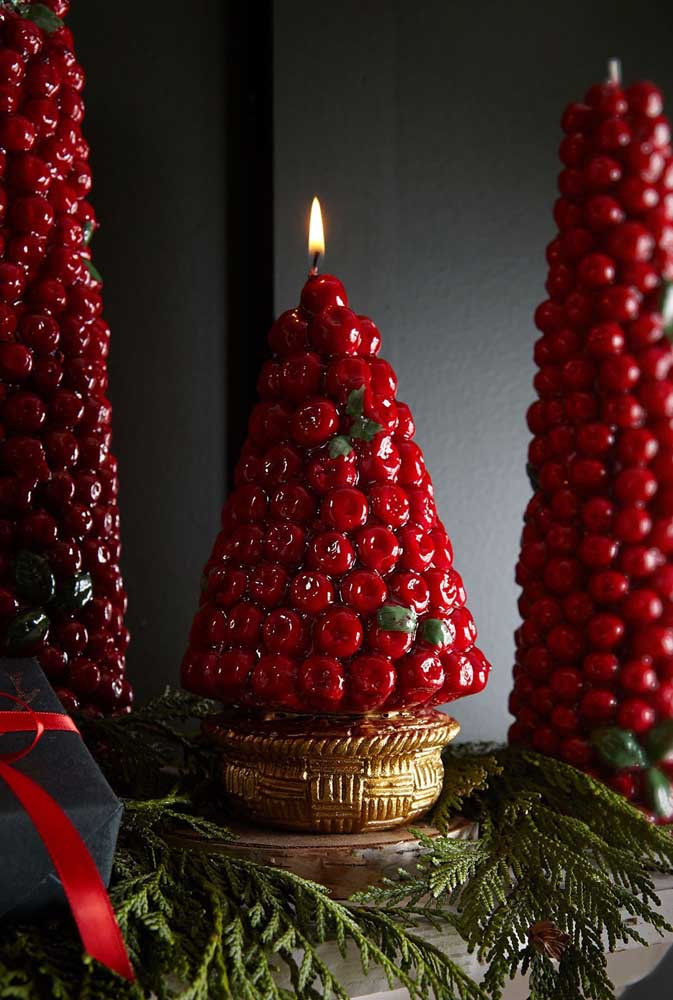 Que tal uma vela acesa no topo da árvore de frutas?