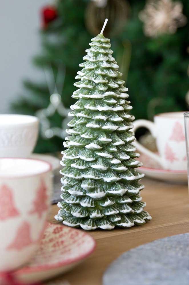 Vela com formato de pinheiro: mais natalino impossível!