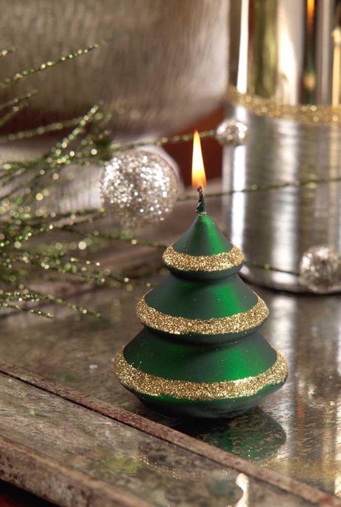 Um pinheirinho estiloso para compor a decoração de natal