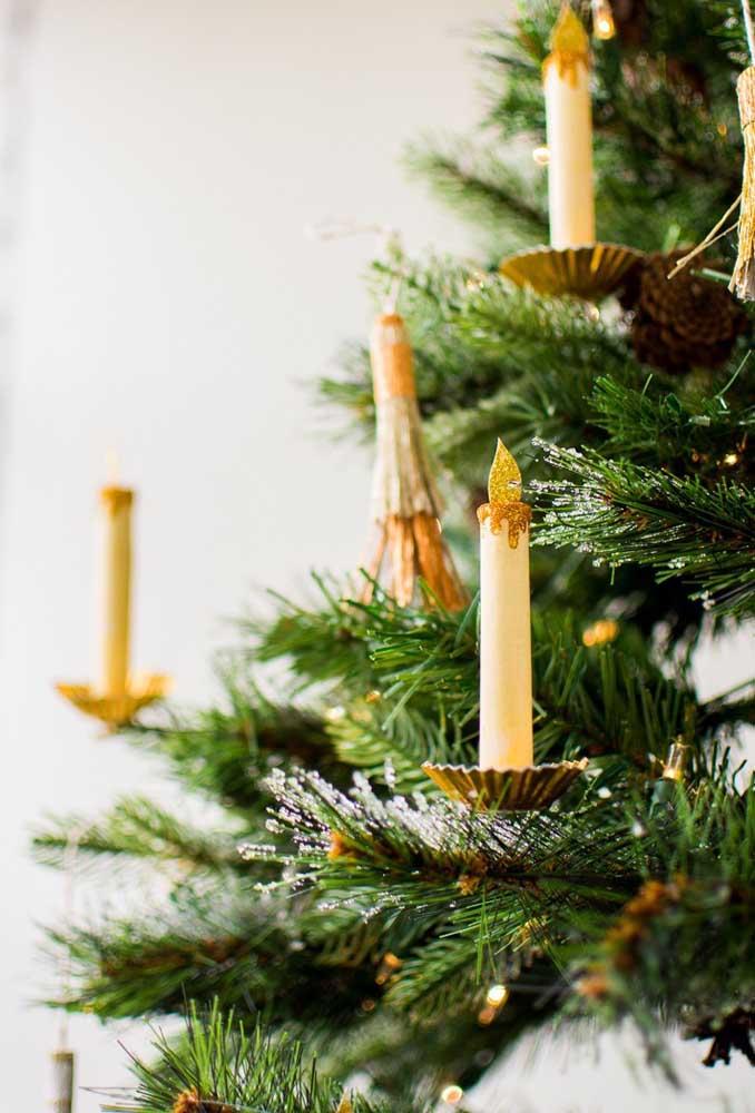 Velas na árvore de natal: de brincadeirinha!