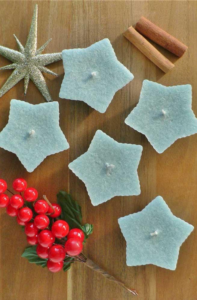 Velas em formato de estrelas: dois ícones do natal em um mesmo enfeite