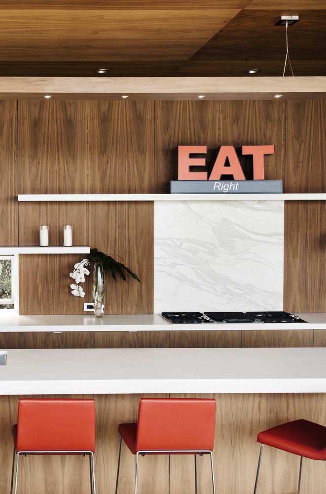 """""""Eat"""" na cozinha, quer melhor lugar para o verbo?"""