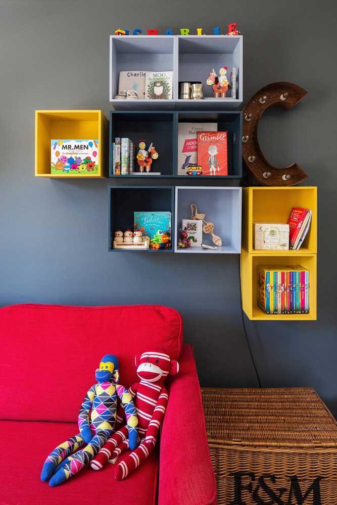 Quarto infantil decorado com letra decorativa com luz