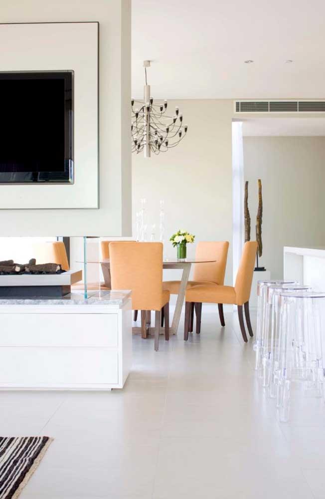 Na dúvida, o porcelanato branco é a melhor escolha de piso. Combina com tudo e com todos os ambientes