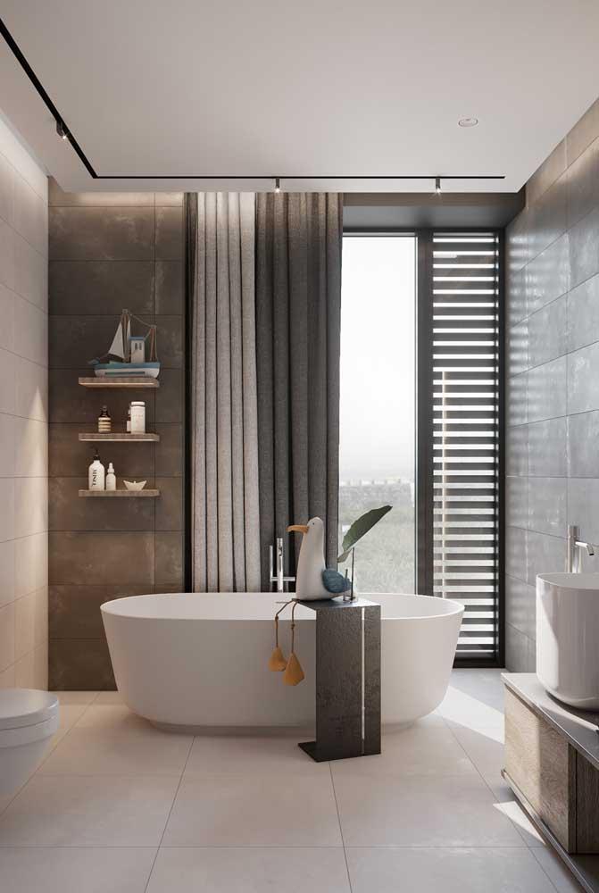 Quer usar porcelanato branco no banheiro? Então prefira as versões acetinada e esmaltada que são mais ásperas e não provocam escorregões