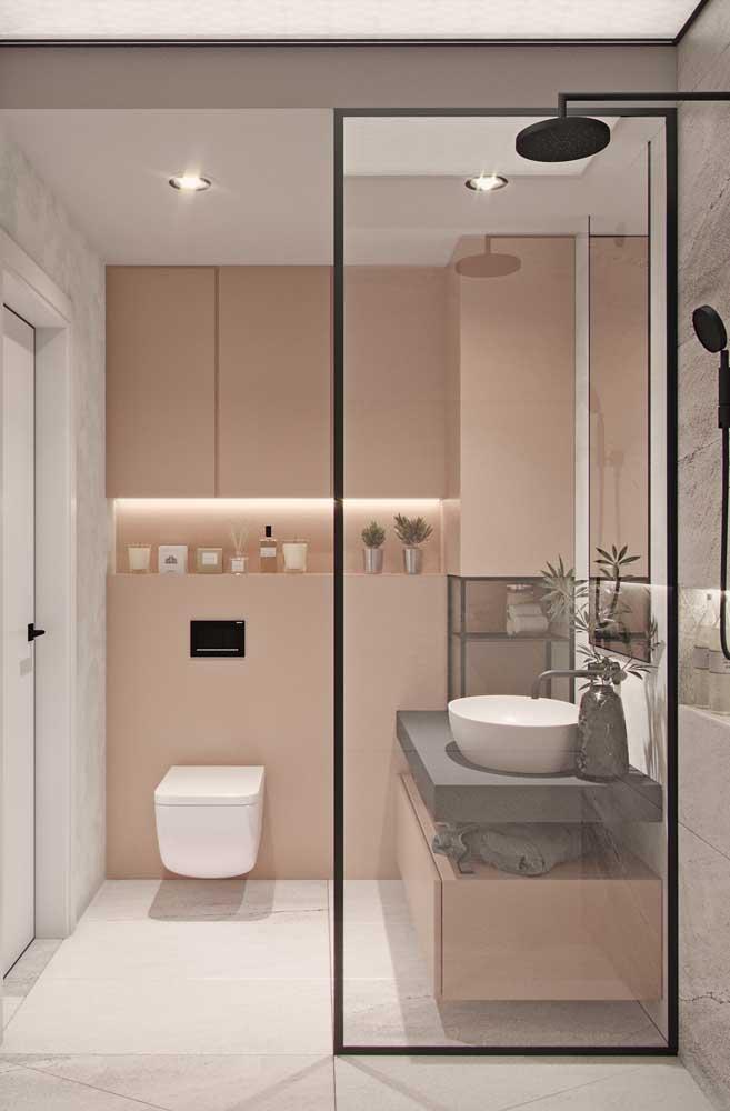 E que tal romantizar um pouco o banheiro de porcelanato branco? Para isso, invista em paredes e móveis em tons delicados de rosa