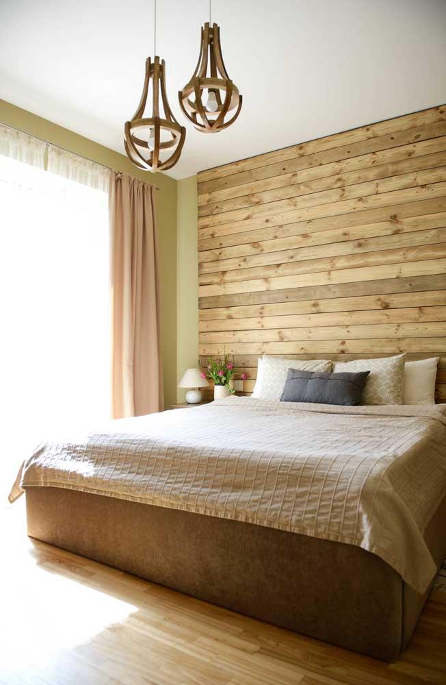 Dupla de lustres de MDF para usar sobre a cama do quarto de casal