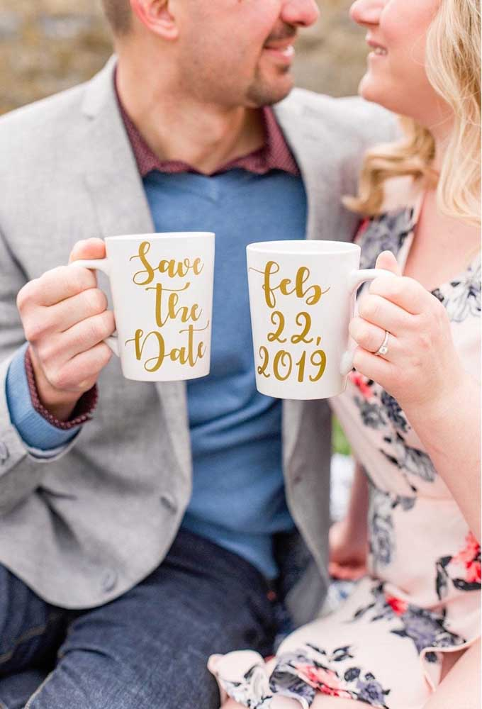 Xícaras personalizadas com o Save the date
